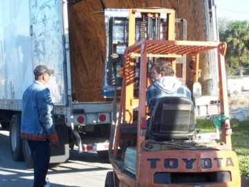 truck cargo offloading tampa
